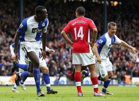 Wenger đổ lỗi thất bại trước Blackburn do trọng tài - 1