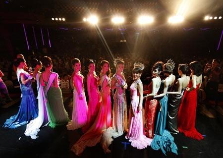 Nalada Thamthanakom - Hoa hậu chuyển giới mới của Thái Lan - 5
