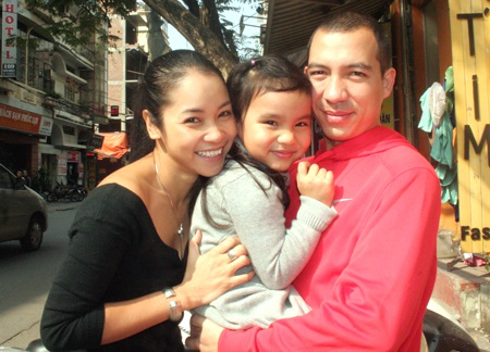 Ca sĩ Xuân Nhị sắp sinh thêm em bé - 1