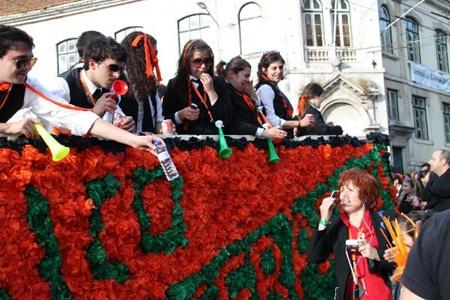 Bồ Đào Nha: Tưng bừng lễ diễu hành mừng Ngày Sinh viên  - 2
