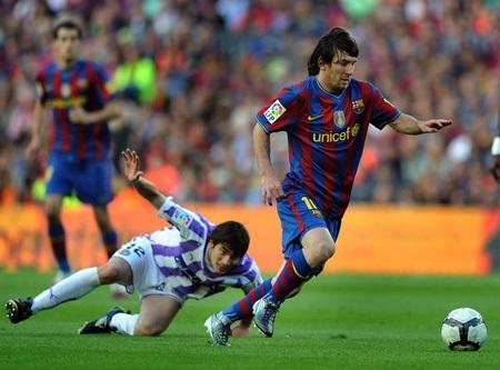 """Messi đoạt """"Chiếc giày vàng châu Âu"""" 2010 - 1"""