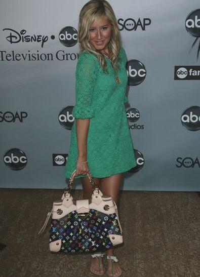 Ngắm bộ sưu tập túi Louis Vuitton của Ashley Tisdale - 11