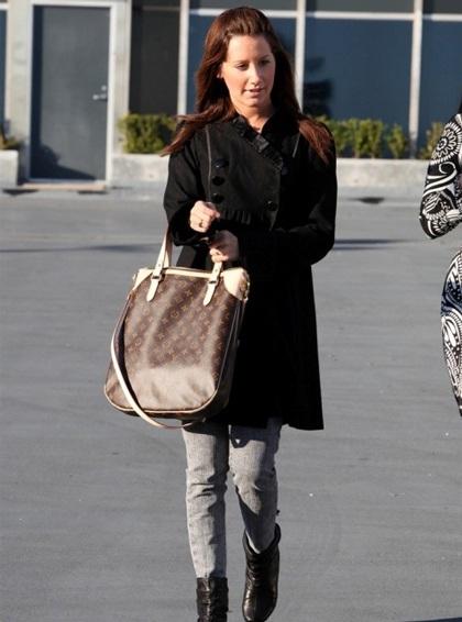 Ngắm bộ sưu tập túi Louis Vuitton của Ashley Tisdale - 12