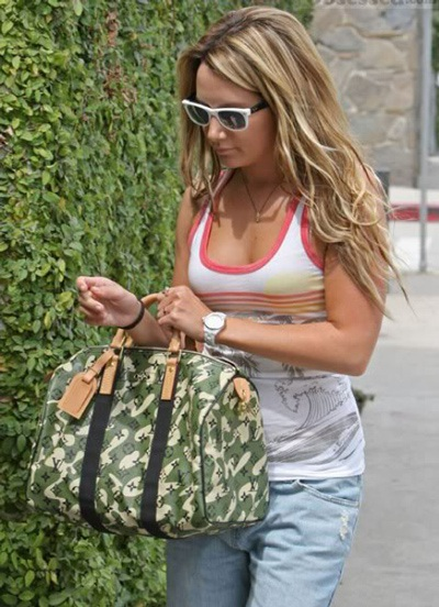 Ngắm bộ sưu tập túi Louis Vuitton của Ashley Tisdale - 7