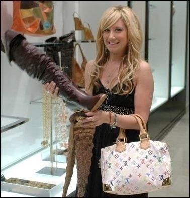 Ngắm bộ sưu tập túi Louis Vuitton của Ashley Tisdale - 8