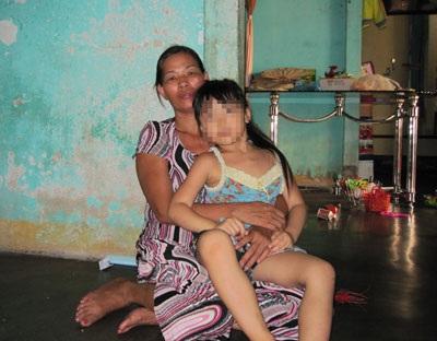 Nước mắt người mẹ có con trai gây tội tày đình - 1