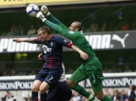 """Đội hình """"lột xác"""" thành công nhất Ngoại hạng Anh 2009/10 - 1"""
