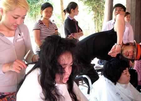 Ấm lòng người khuyết tật Hà Nội - 2