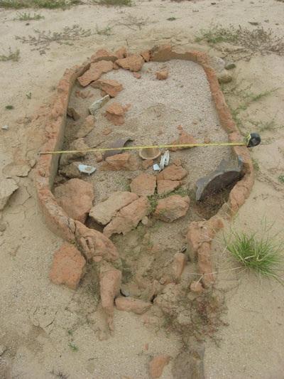 Sau lũ lớn, xuất lộ dấu tích khu mộ cổ - 2