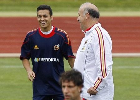 """Chân sút Pedro mặc áo """"số 2"""" tại World Cup 2010 - 1"""
