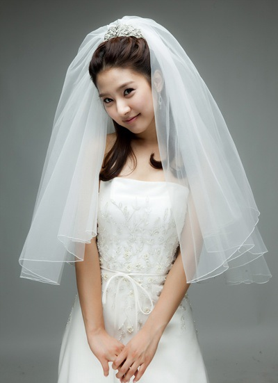 """""""Bạn gái cũ"""" của Kim Bum làm cô dâu? - 1"""