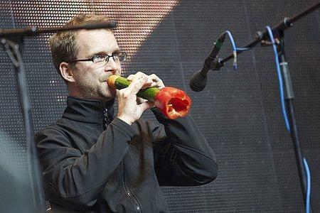 Kỳ diệu chơi nhạc bằng các loại rau, củ - 7