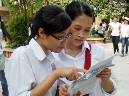 Học sinh THPT thi tốt nghiệp trong thời tiết mát mẻ - 1