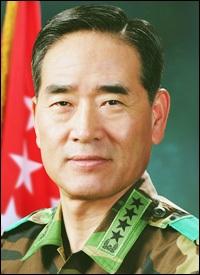 Tướng Hàn Quốc xin về hưu vì vụ chiến hạm Cheonan - 1