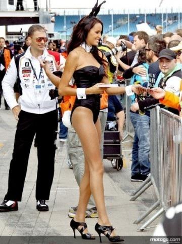 Chân dài trên đường đua Silverstone - 14