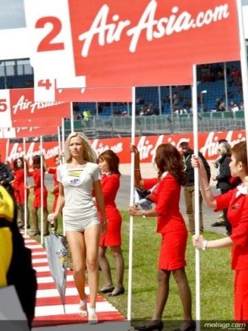 Chân dài trên đường đua Silverstone - 16