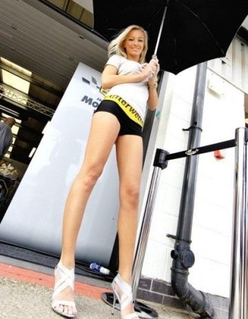 Chân dài trên đường đua Silverstone - 3