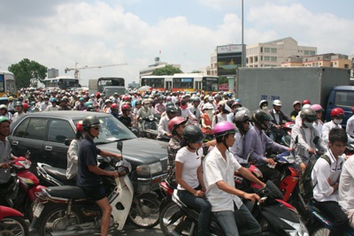 Mô tô, xe máy sẽ không phải nộp phí bảo trì đường bộ từ ngày 1/1/2016