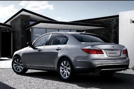 Hyundai Genesis bản 2011 dùng cần số giống BMW - 10