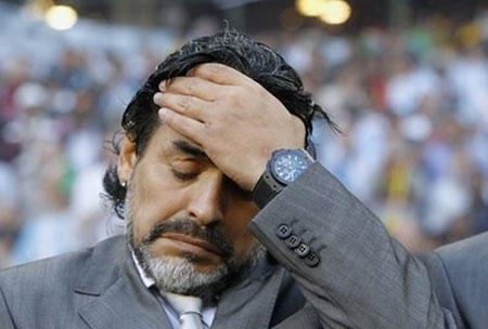 Argentina đại bại, Maradona cân nhắc chuyện từ chức - 1