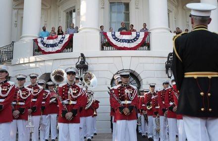 Hé lộ tiệc mừng lễ Độc lập của Tổng thống Obama - 3