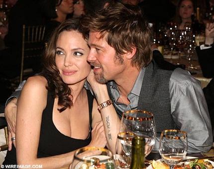 """Angelina Jolie: """"Brad yêu tôi, thế là đủ"""" - 2"""