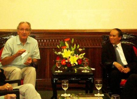 Thượng nghị sĩ Mỹ kiểm tra xử lý dioxin tại Đà Nẵng - 1