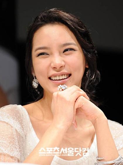 """Hành trình tới """"thiên nga"""" của người đẹp dao kéo Park Shi Yeon - 18"""