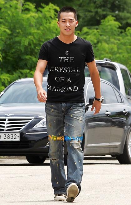 Lee Wan chia tay fan lên đường nhập ngũ - 1