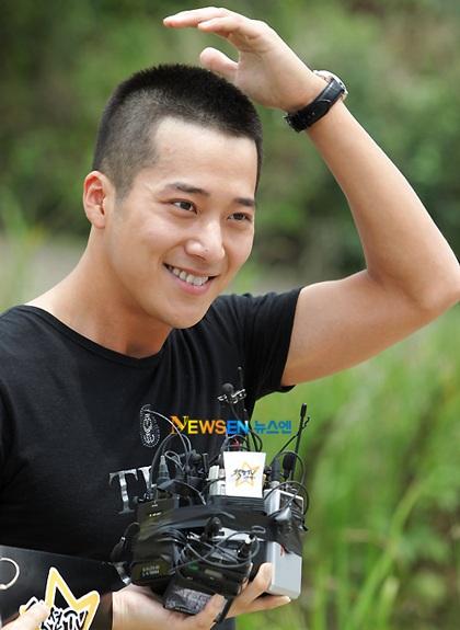 Lee Wan chia tay fan lên đường nhập ngũ - 3