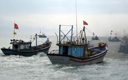 Quảng Ngãi: 6 tàu bị chìm, 78 ngư dân gặp nạn vì bão - 1