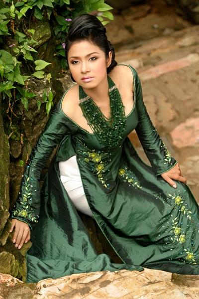 Ngắm Việt Trinh đẹp lạ lùng trong bộ ảnh mới - 4