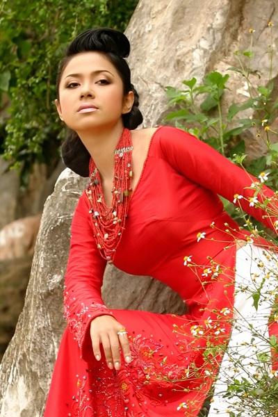Ngắm Việt Trinh đẹp lạ lùng trong bộ ảnh mới - 8