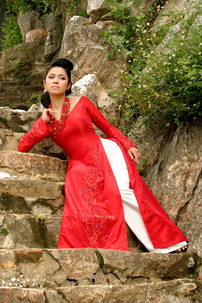 Ngắm Việt Trinh đẹp lạ lùng trong bộ ảnh mới - 7