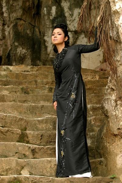 Ngắm Việt Trinh đẹp lạ lùng trong bộ ảnh mới - 3