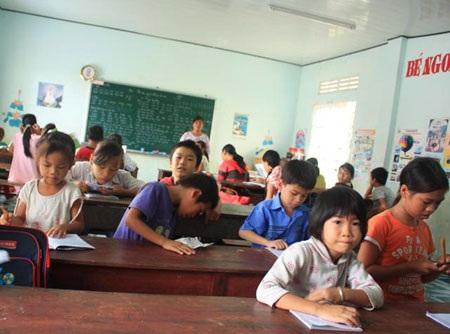 """Lớp học đặc biệt nơi """"cửa thiền"""" - 1"""