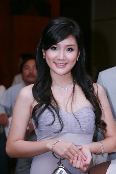 Thùy Dung nổi bật với vương miện Hoa hậu - 13