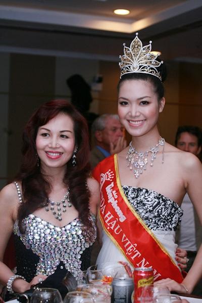 Thùy Dung nổi bật với vương miện Hoa hậu - 2