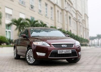 Thêm Ford và Mitsubishi giảm giá, tăng khuyến mại - 1