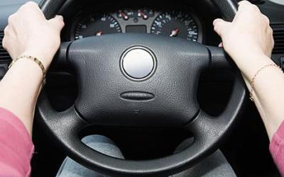 Nam giới ghét gì khi phụ nữ lái xe - 1