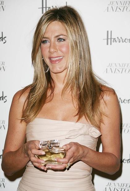 Jennifer Aniston quảng cáo nước hoa mới tại Anh - 4