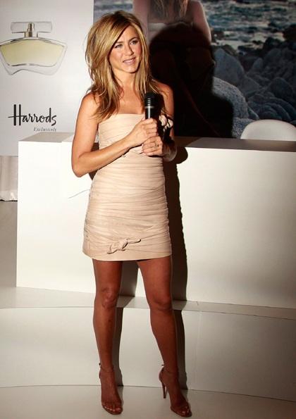 Jennifer Aniston quảng cáo nước hoa mới tại Anh - 5