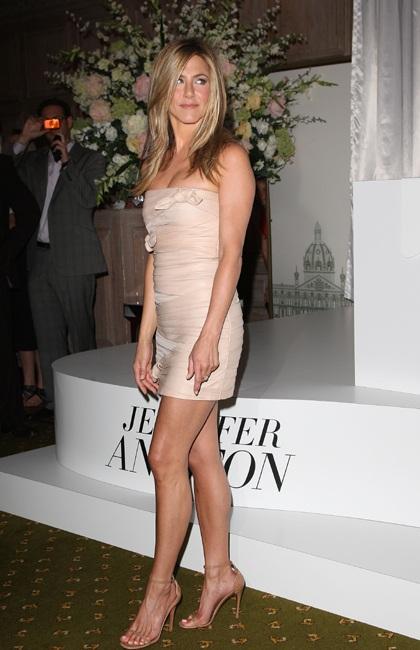 Jennifer Aniston quảng cáo nước hoa mới tại Anh - 9