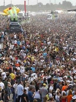 Đức: Giẫm đạp trong lễ hội âm nhạc, 18 người thiệt mạng - 3