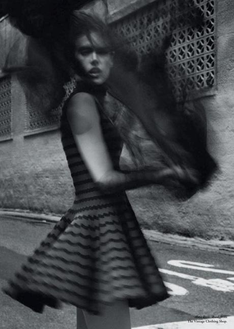 Chùm ảnh đen trắng ấn tượng của Alessandra Ambrosio  - 11