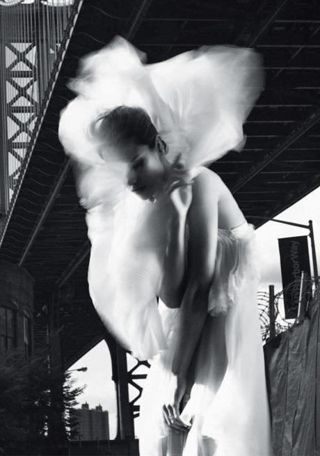 Chùm ảnh đen trắng ấn tượng của Alessandra Ambrosio  - 2