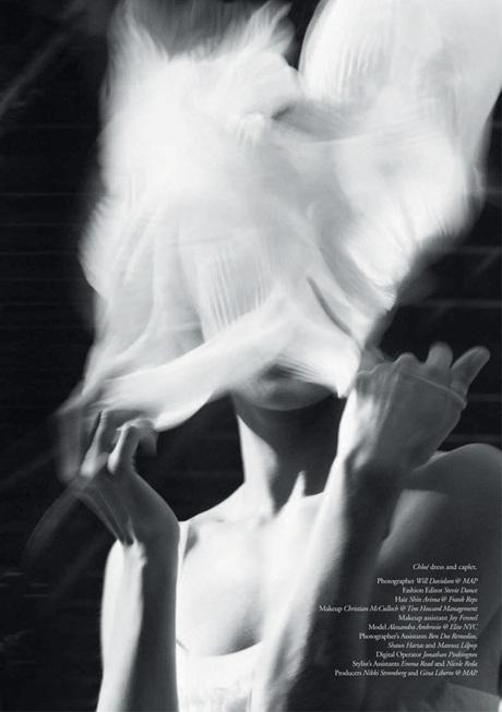 Chùm ảnh đen trắng ấn tượng của Alessandra Ambrosio  - 4