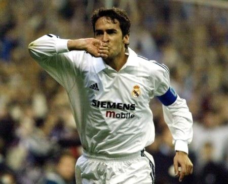 7 khoảnh khắc tạo nên tên tuổi của Raul tại Real Madrid - 1