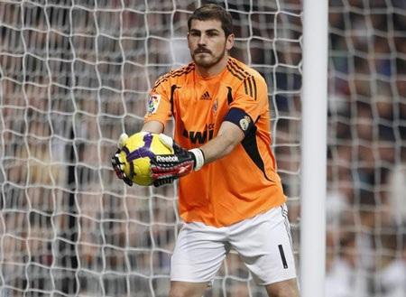 Casillas tiếp quản chức thủ quân Real Madrid - 1
