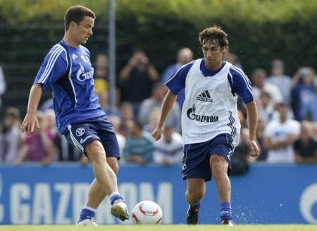 Vị trí nào cho Raul tại Schalke? - 2